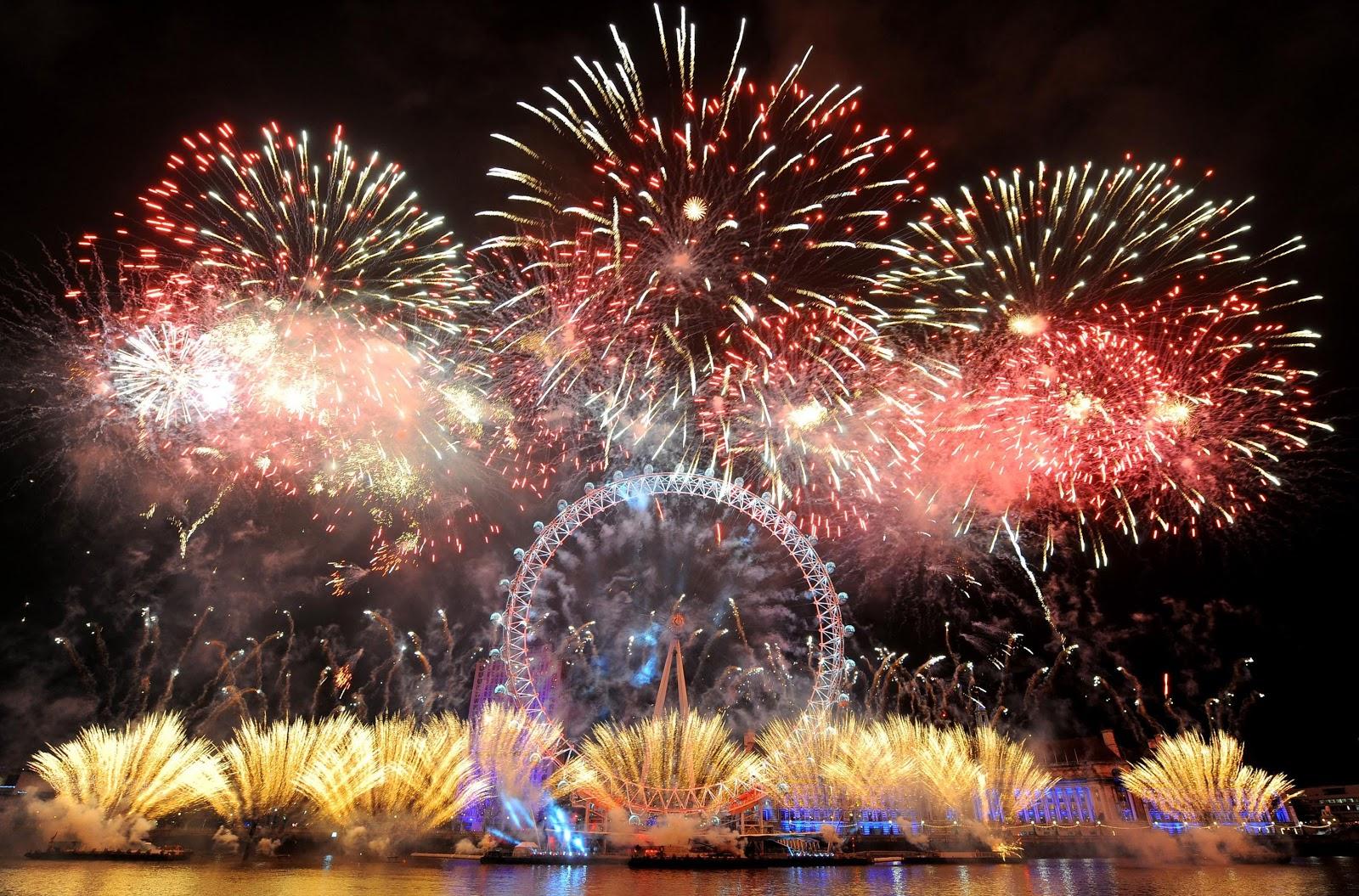 Ciekawe miejsca na Sylwestra - sylwestrowy pokaz sztucznych ogni nad Tamizą w Londynie