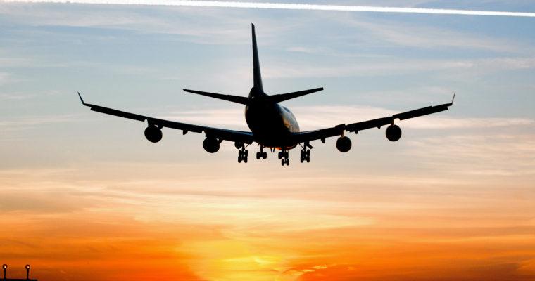 Jak przygotować się do podróży samolotem?