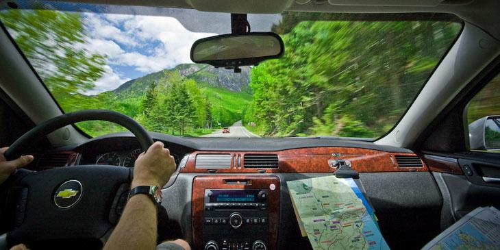 Jak przygotować się do podróży samochodem?