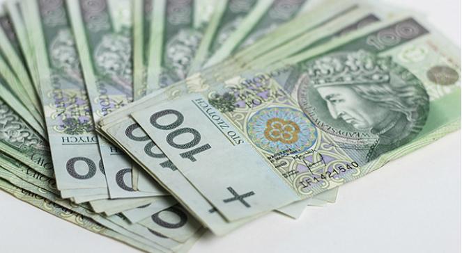 o czym pamiętać wybierając się w podróż - pieniądze