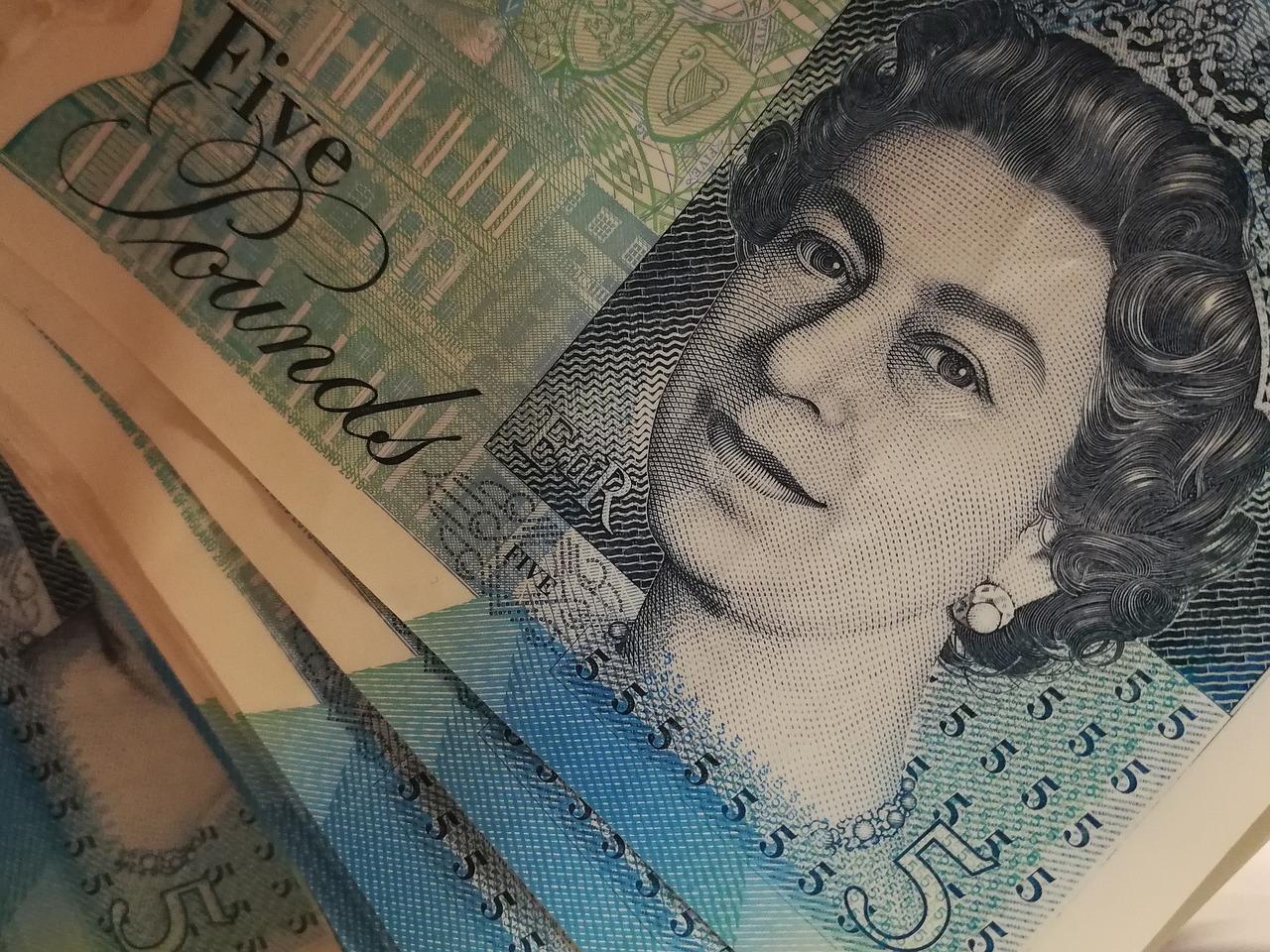 Praca za granicą, gdzie wymienić pieniądze po powrocie?