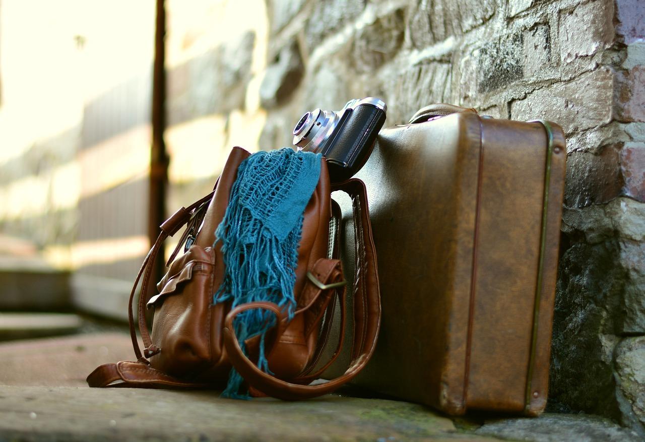 Walizka, plecak czy torba, czyli w co się zapakować?
