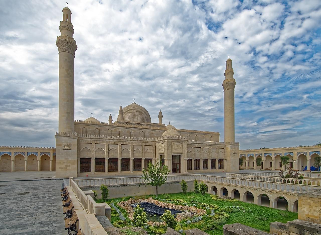 Niesamowita podróż w czasie. Azerbejdżan wczasy – atrakcje, o których nigdy nie zapomnisz.