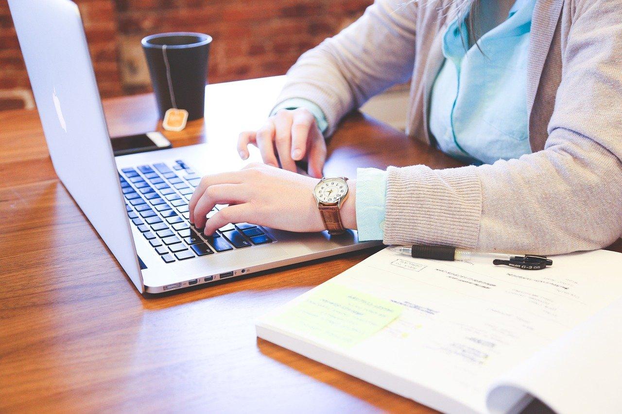 Microsoft Word oraz Dokumenty Google w planowaniu podróży