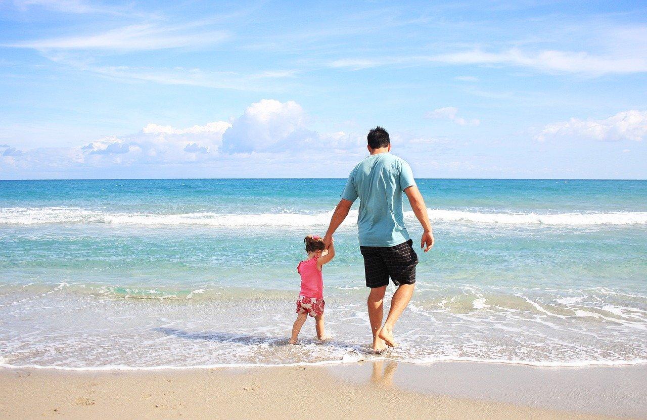 Jak zorganizować wymarzone wakacje dla całej rodziny online?